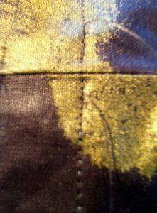 Couture commencée et arrêtée à 5 mm de chaque coté de la couture de'assemblage