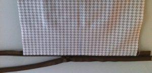 Fixation du coté droit du zip vue sur l'endroit de la trousse.