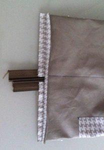 les coutures de cotés sont ouvertes comme le montre la photo.