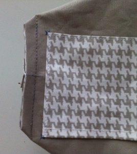 Tous les angles assemblés couper à 5 mm de la couture.