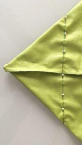 Casser les angles à 10 cm du milieu.