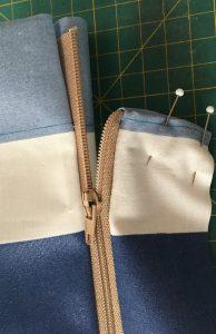 Etape de finition du zip.