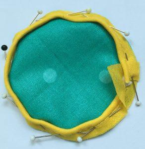 Pose du biais sur les cercles turquoises.