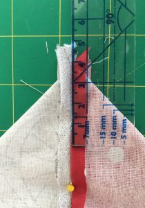 Mesurer 4 cm pour former langle.