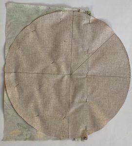 Bien epingler la poche du sac polochon au rond