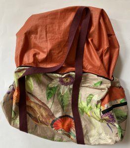 Retourner le sac polochon sur l endroit.