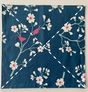 Tracer les diagonales des vide poches tulipes sur le cote fleuri.