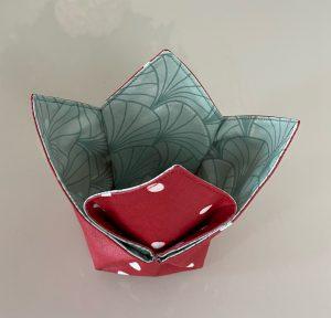 Vide poches tulipe confettis rouge.
