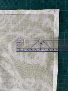 tracer 1 ligne de 9 cm sur 2 cotes.
