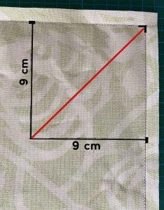 Former 2 angles avec 1 ligne diagonale..